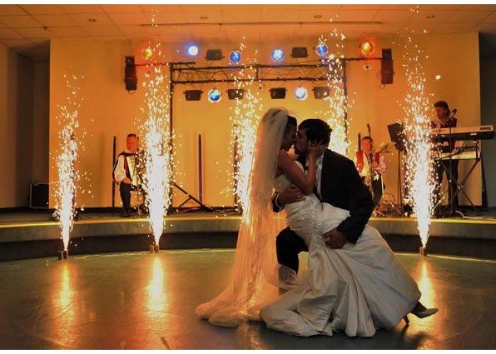 Перший танець фонтанів на весілля